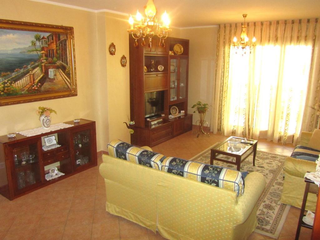 Appartamento in vendita a Corropoli, 5 locali, zona Località: Bivio, prezzo € 106.000 | Cambio Casa.it