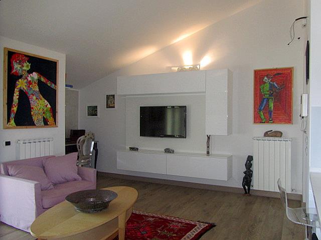 Appartamento in vendita a Corropoli, 5 locali, zona Località: Bivio, prezzo € 95.000 | Cambio Casa.it