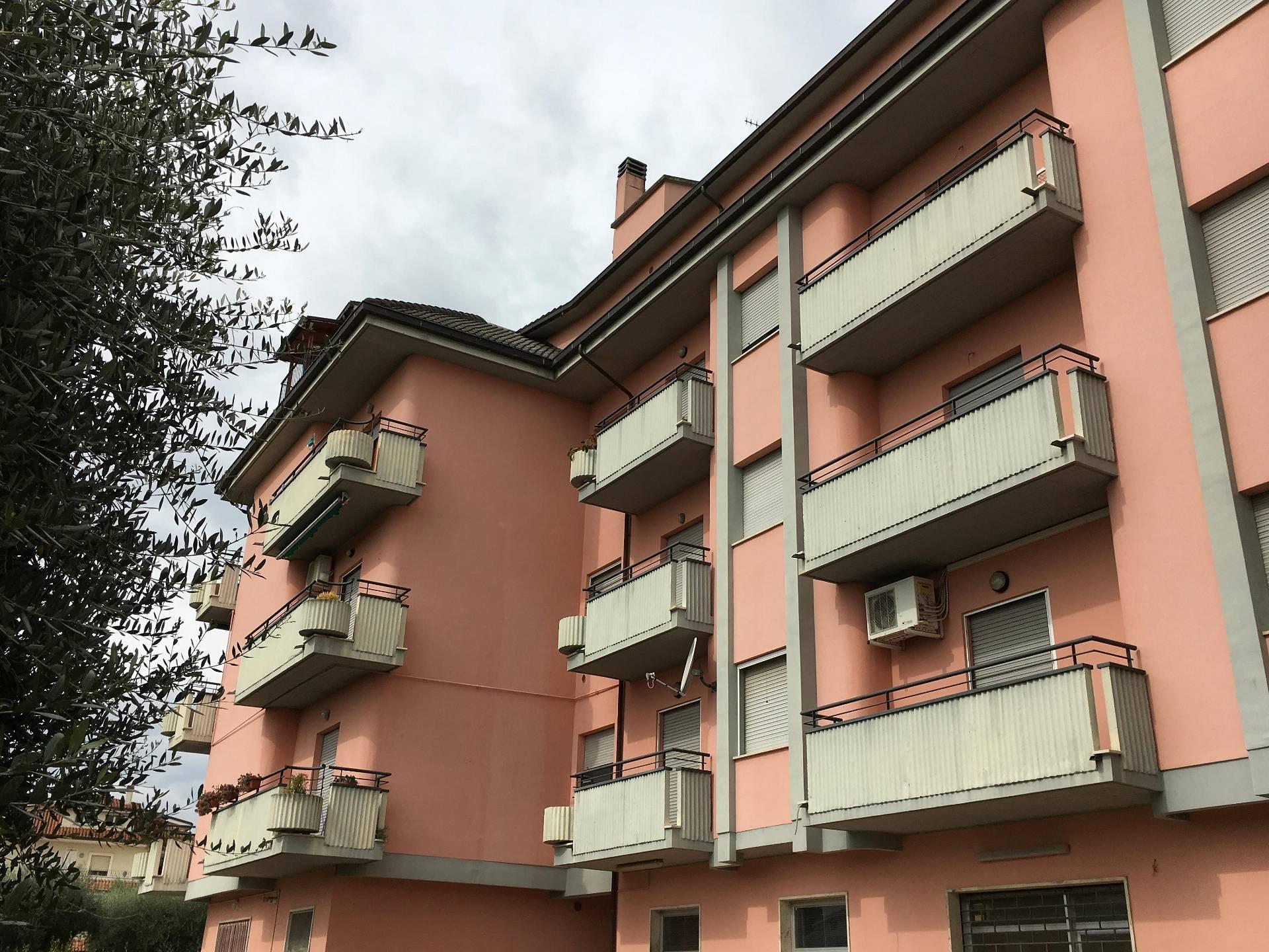 Appartamento in vendita a Sant'Egidio alla Vibrata, 4 locali, prezzo € 89.000 | Cambio Casa.it