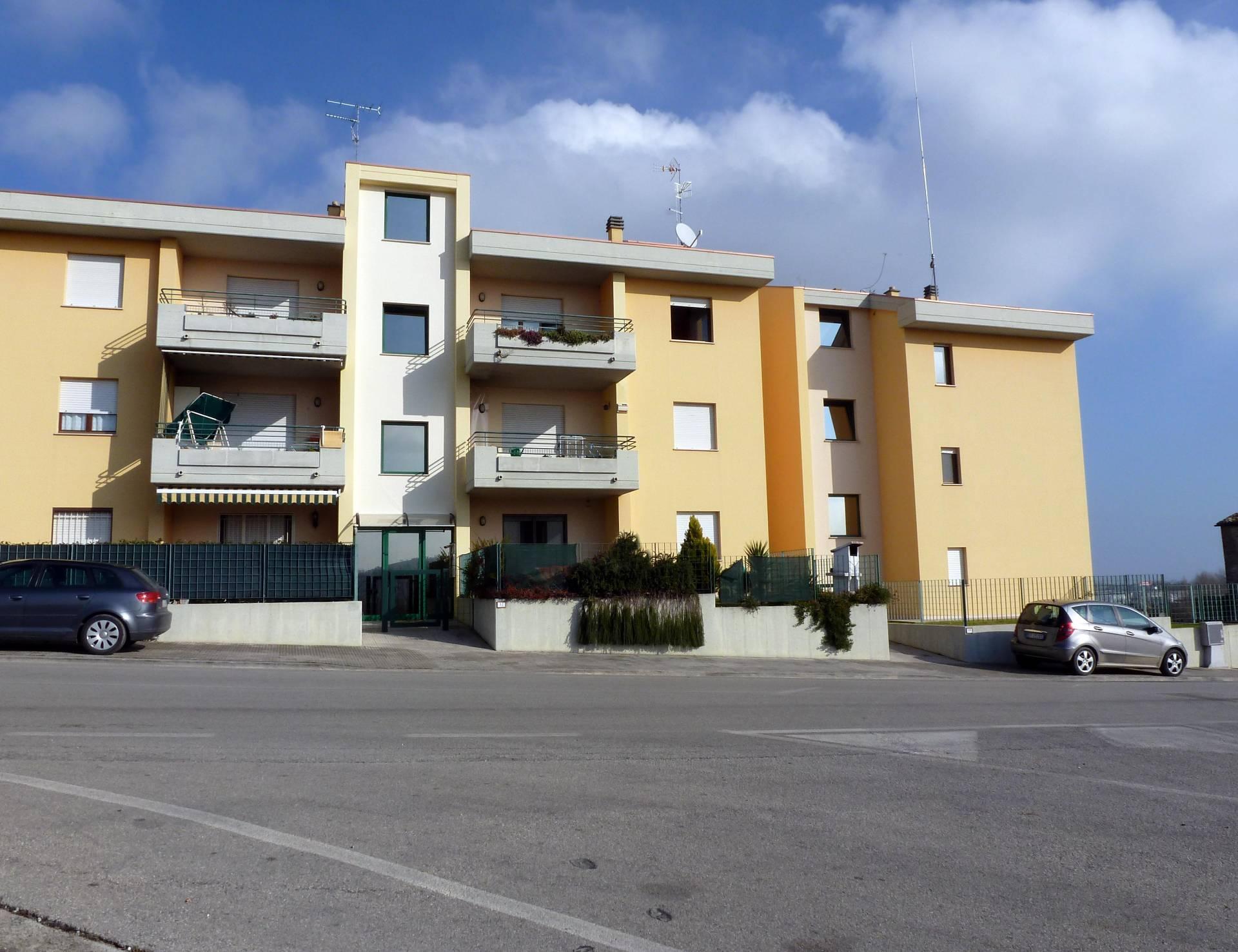 Appartamento in vendita a Corropoli, 4 locali, zona Località: Bivio, prezzo € 89.000   CambioCasa.it