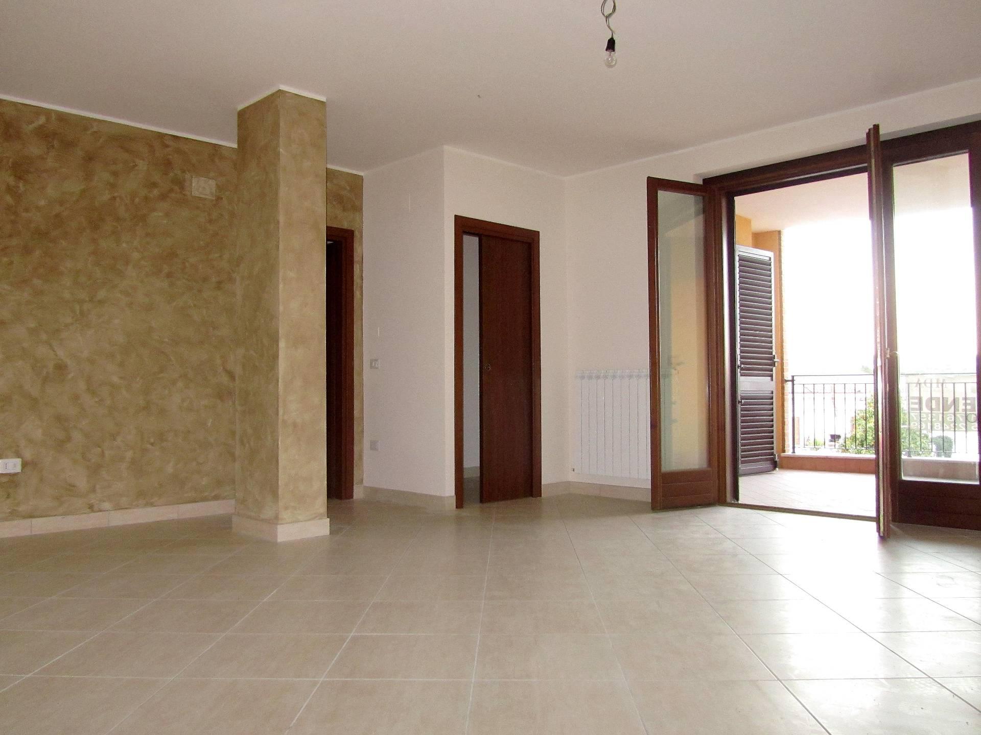 Appartamento in vendita a Corropoli, 5 locali, prezzo € 110.000   CambioCasa.it