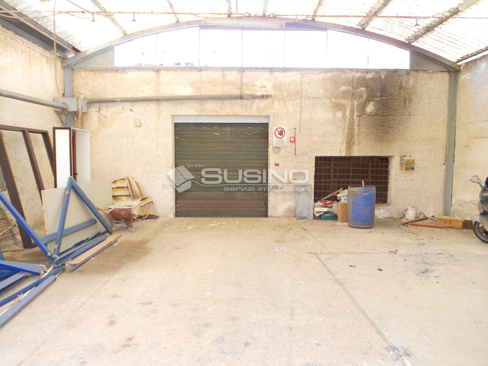 Capannone in vendita a Siracusa, 9999 locali, zona Zona: Borgata, prezzo € 100.000   Cambio Casa.it