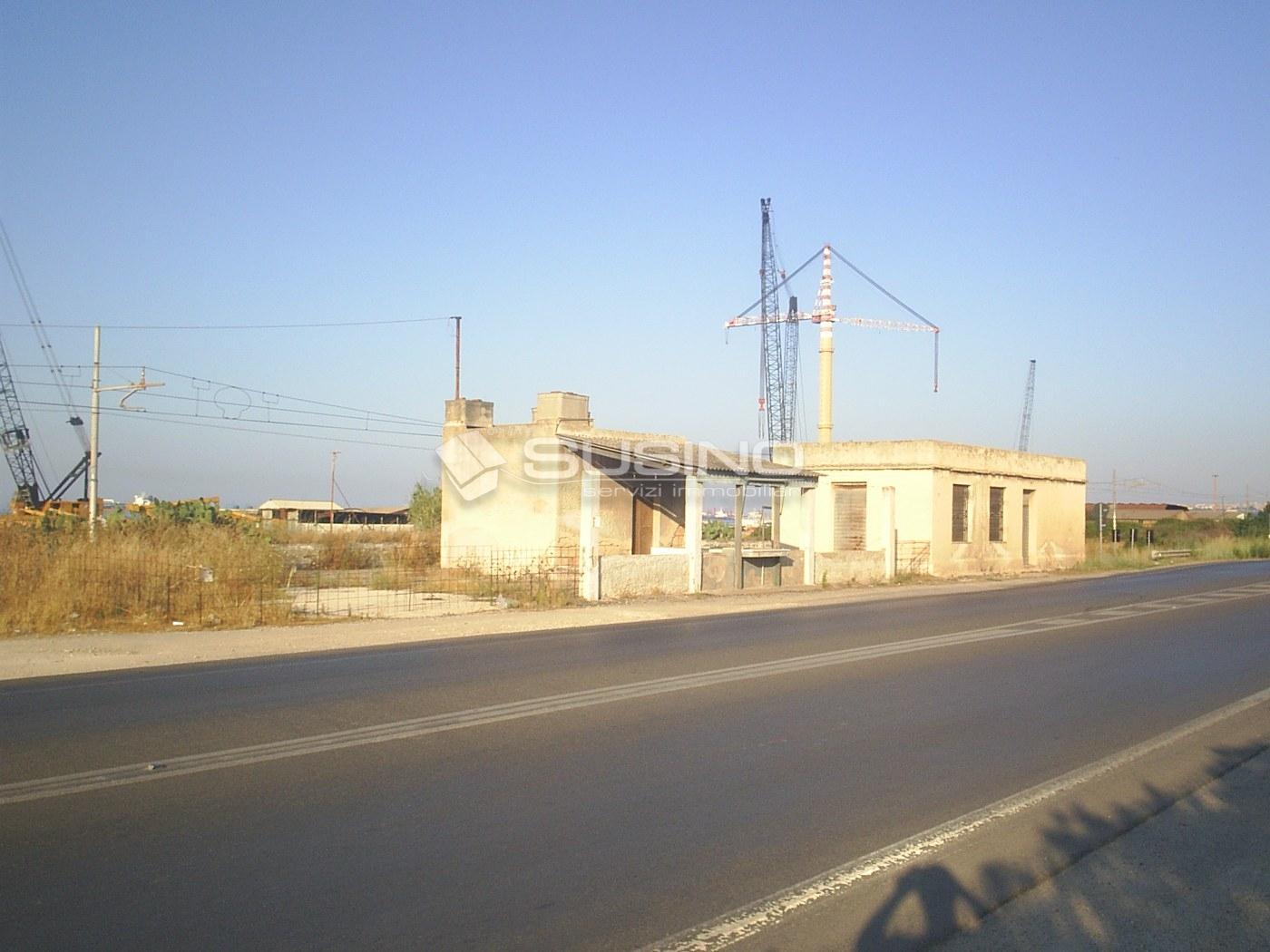 Magazzino in vendita a Siracusa, 9999 locali, zona Località: CittàGiardino, prezzo € 75.000 | CambioCasa.it