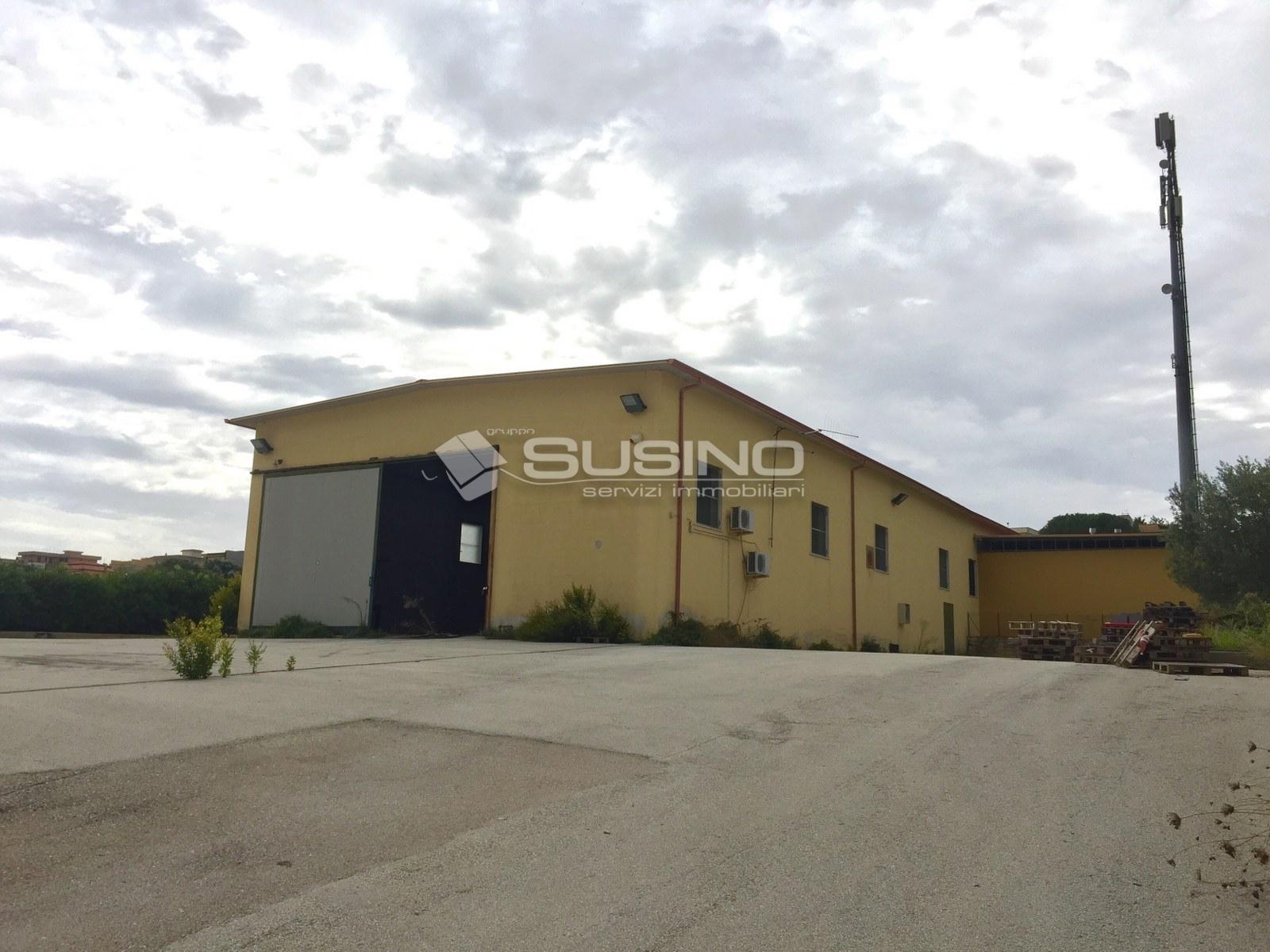 Laboratorio in vendita a Melilli, 9999 locali, zona Località: CittàGiardino, prezzo € 320.000 | CambioCasa.it