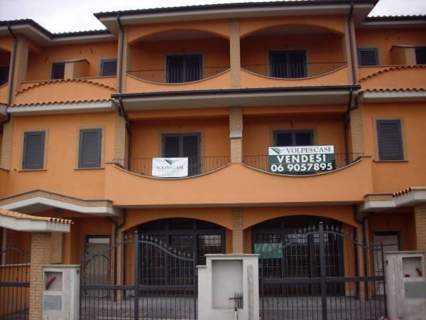 Villa a Schiera in Affitto a Fonte Nuova