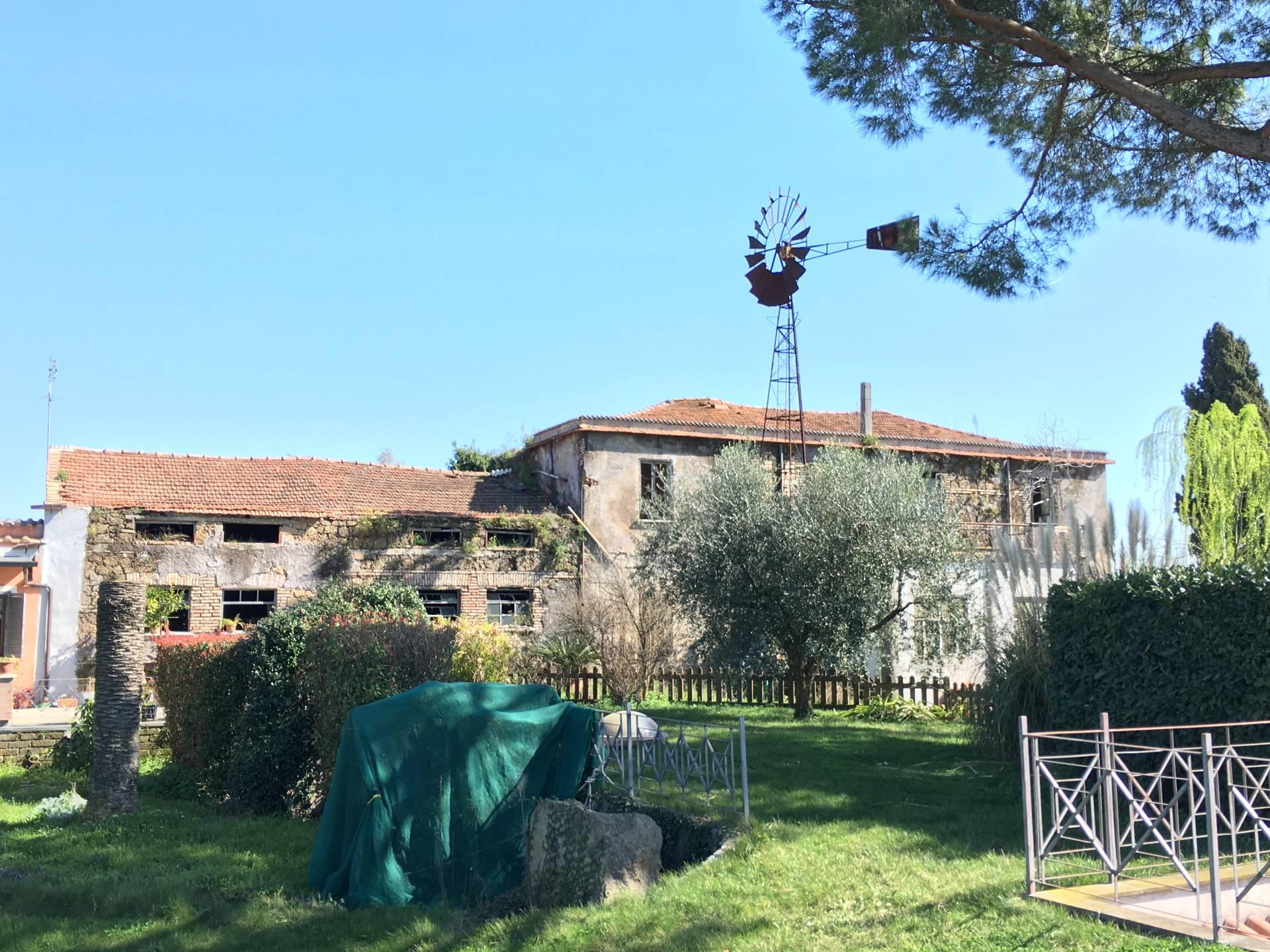 Rustico / Casale in vendita a Fonte Nuova, 15 locali, zona Località: TorLupara, prezzo € 265.000 | Cambio Casa.it