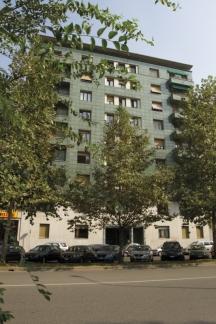 Bilocale Milano Viale Cassiodoro 5