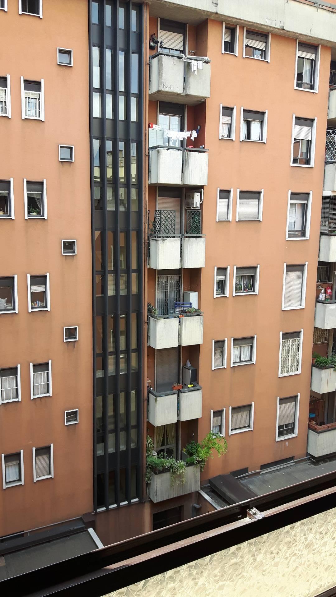 Bilocale Milano Via Della Moscova 1