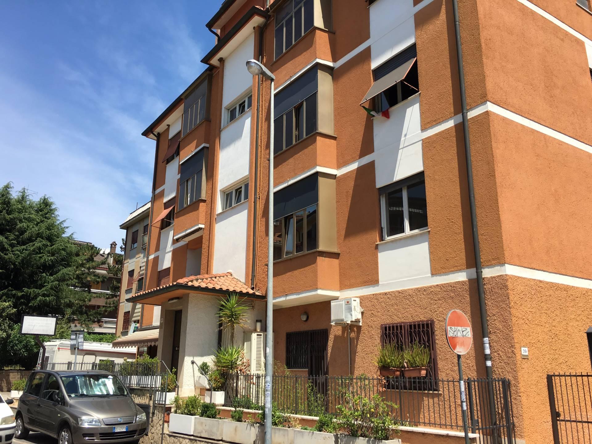 Bilocale Fonte Nuova Via C. Goldoni 1