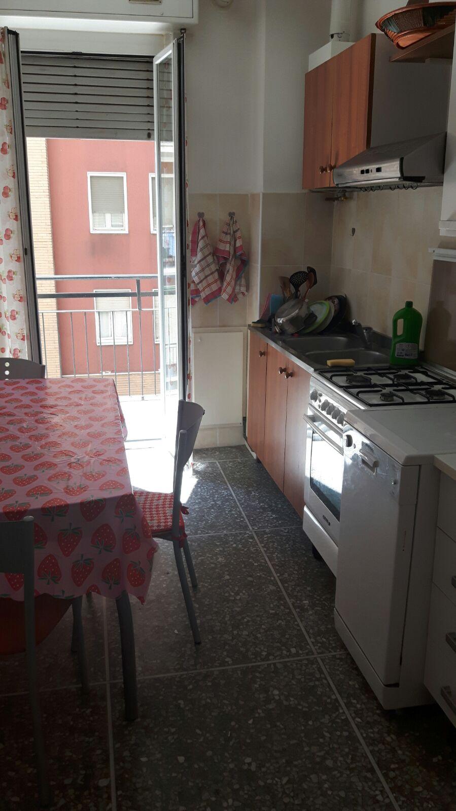 Bilocale Milano Via Giovanni Pezzotti 2