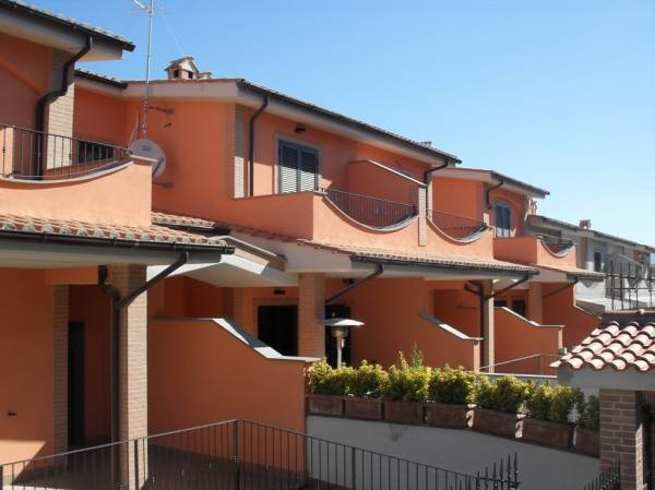 Villa a Schiera in affitto a Fonte Nuova, 5 locali, zona Località: TorLupara, prezzo € 1.300 | CambioCasa.it