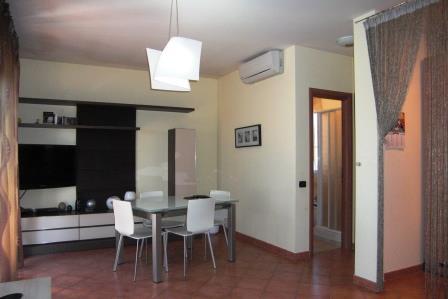 Bilocale Pomezia Via Dei Castelli Romani 3