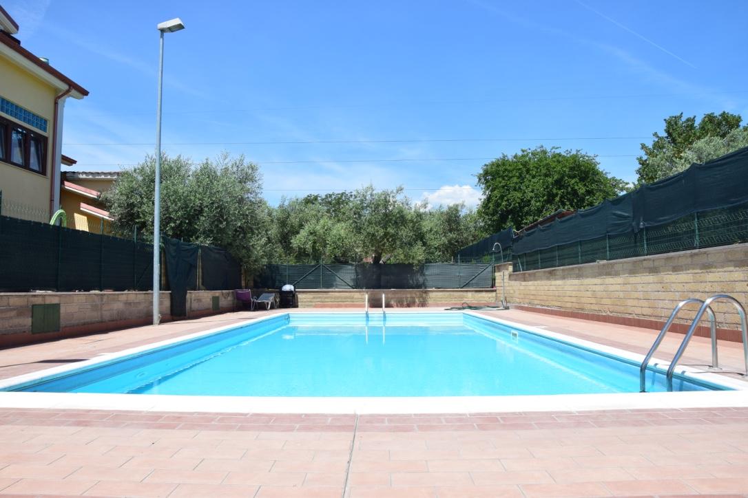 Villa in vendita a Capena, 4 locali, prezzo € 195.000 | CambioCasa.it