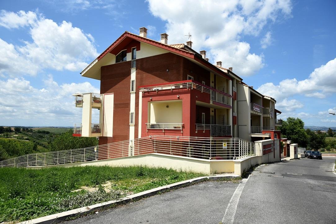 Attico / Mansarda in affitto a Monterotondo, 3 locali, zona Località: MonterotondoPaese, prezzo € 650 | CambioCasa.it