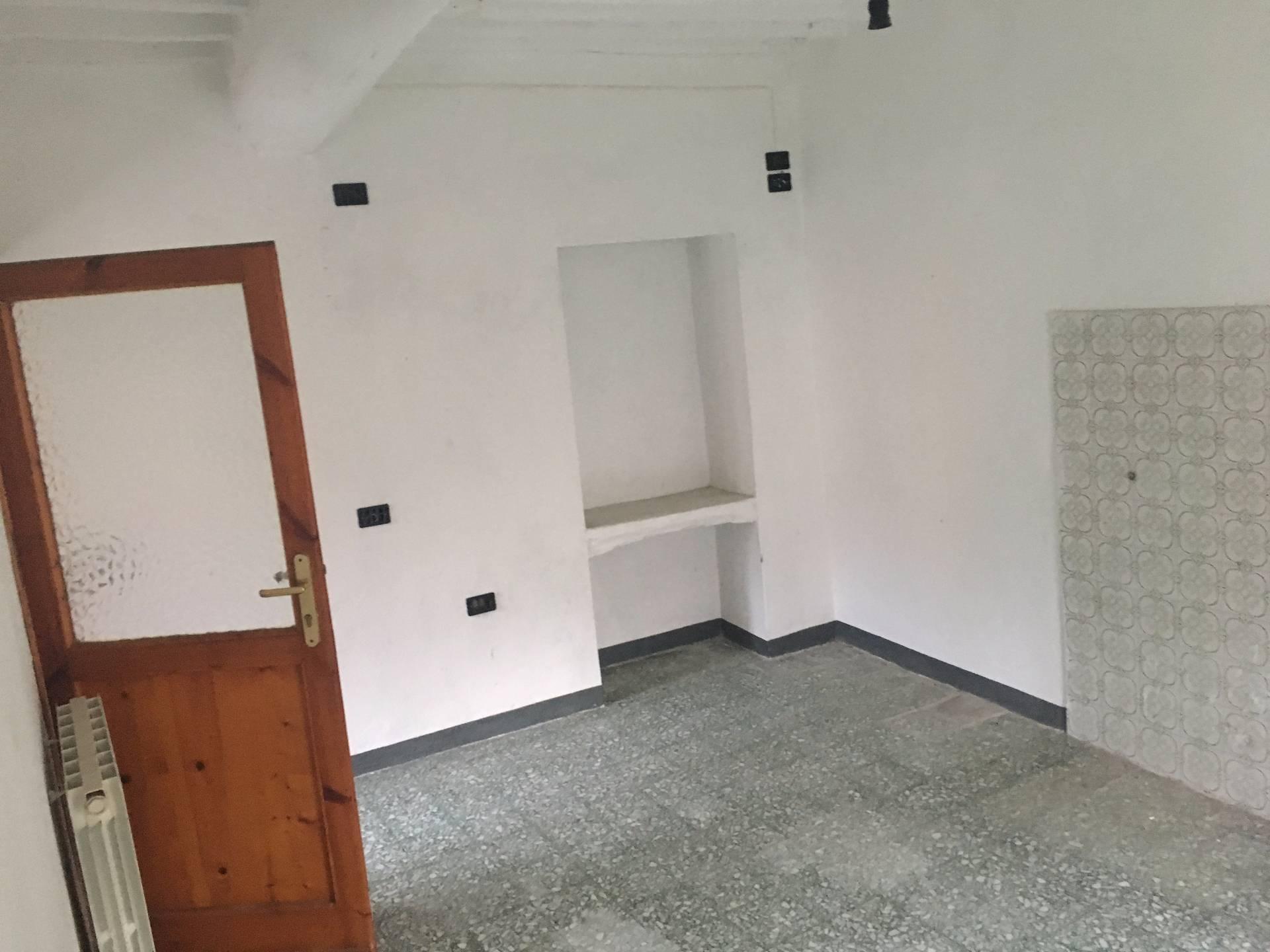 Soluzione Indipendente in vendita a Buti, 2 locali, prezzo € 25.000   Cambio Casa.it