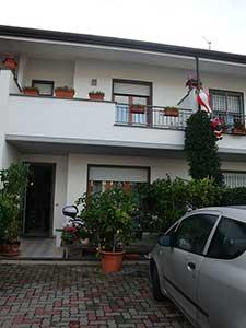 Soluzione Indipendente in vendita a Viareggio, 9 locali, zona Località: TorredelLagoPuccini, prezzo € 320.000 | Cambio Casa.it