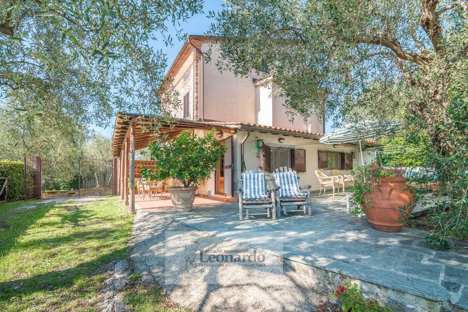 Villa in vendita a Massarosa, 7 locali, zona Località: PieveaElici, prezzo € 495.000 | Cambio Casa.it