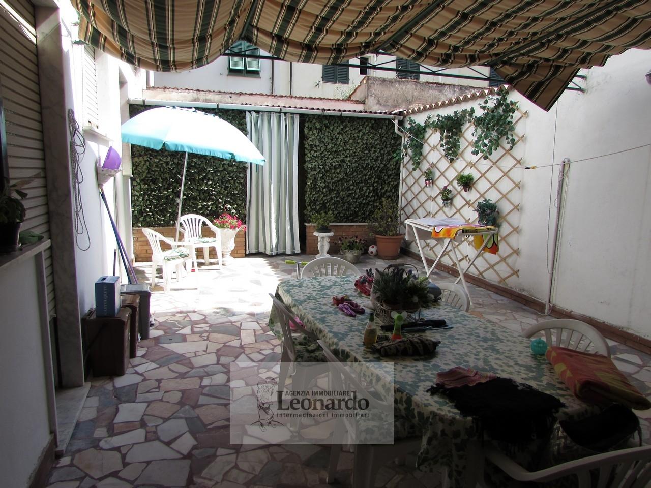 Appartamento in affitto a Viareggio, 5 locali, prezzo € 800 | Cambio Casa.it