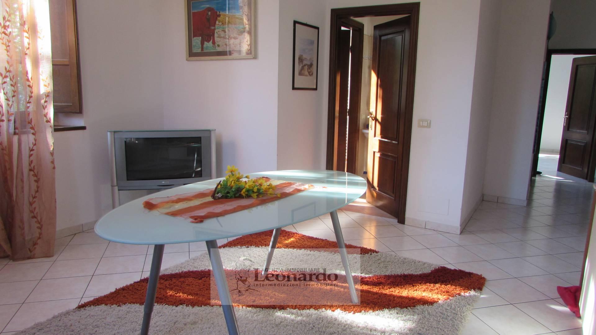 Appartamento in vendita a Massarosa, 5 locali, prezzo € 150.000 | Cambio Casa.it