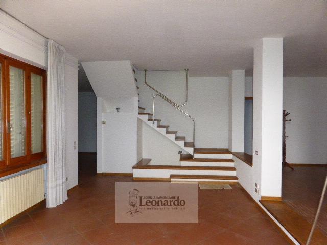 Villa in vendita a Viareggio, 5 locali, zona Località: TorredelLagoPuccini, prezzo € 390.000 | Cambio Casa.it