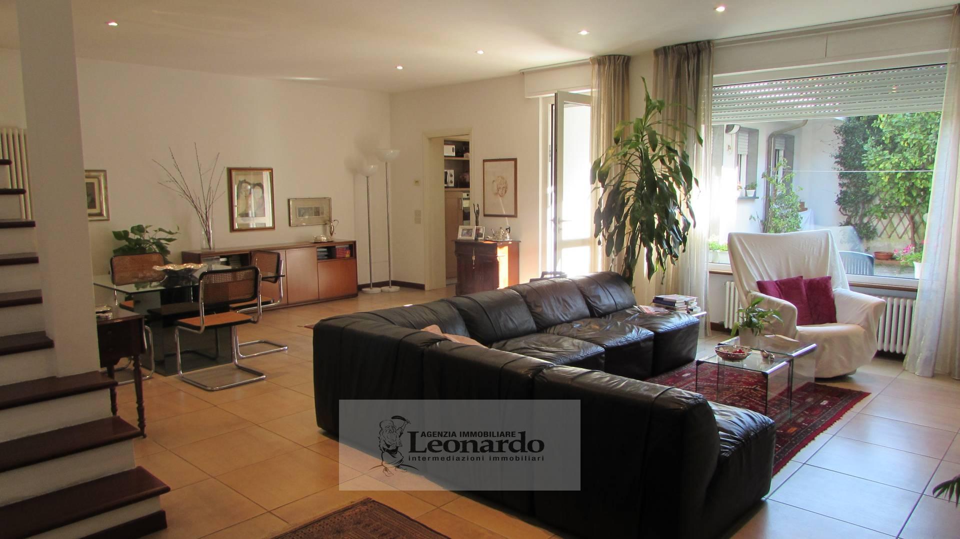 Soluzione Indipendente in vendita a Viareggio, 6 locali, zona Località: Darsena, prezzo € 460.000 | Cambio Casa.it