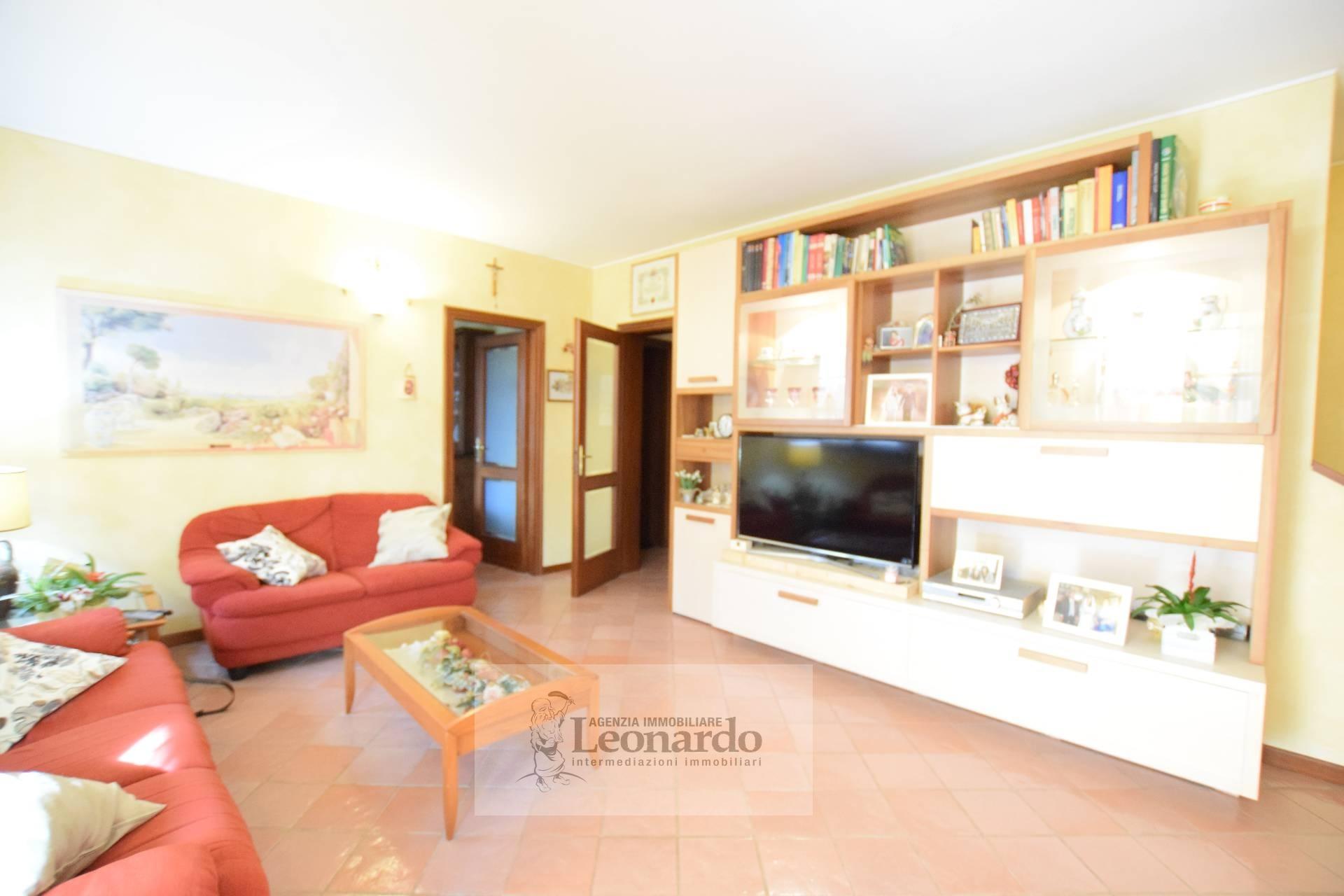 Villa in vendita a Viareggio, 6 locali, zona Località: Terminetto, prezzo € 390.000 | CambioCasa.it