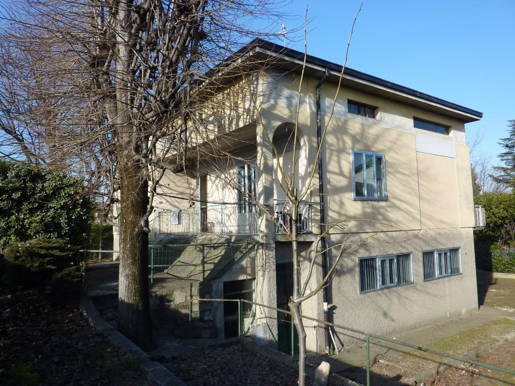 Villa in vendita a Calcinate, 5 locali, prezzo € 219.000 | CambioCasa.it