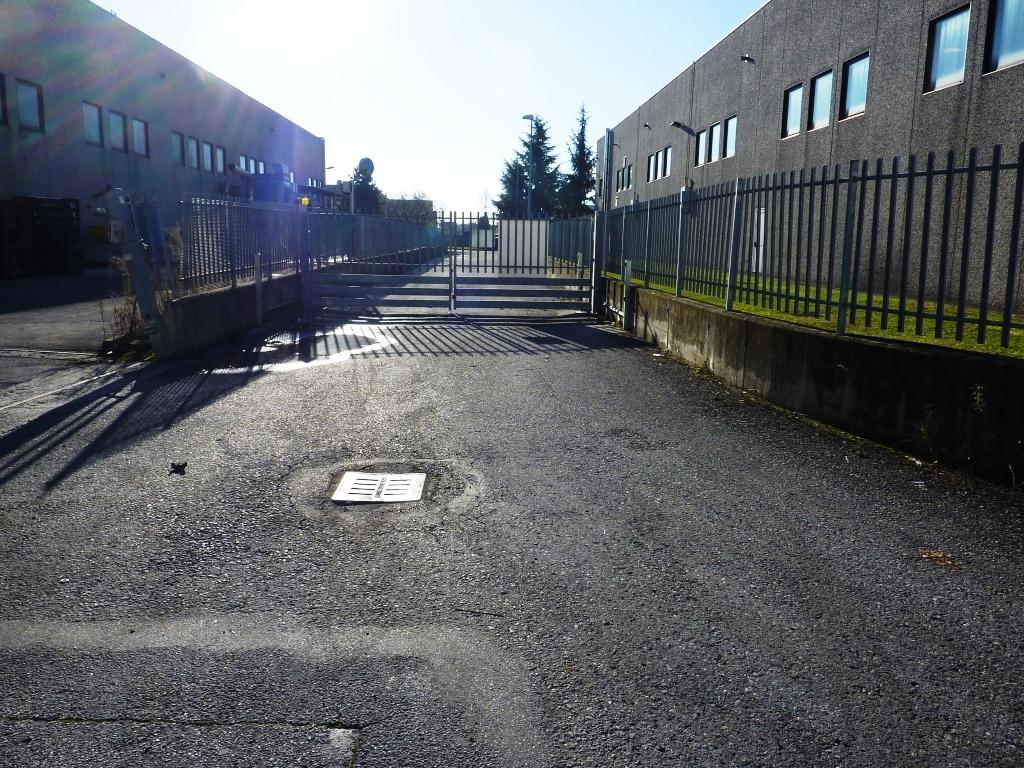 Capannone in affitto a Seriate, 9999 locali, prezzo € 9.000 | CambioCasa.it
