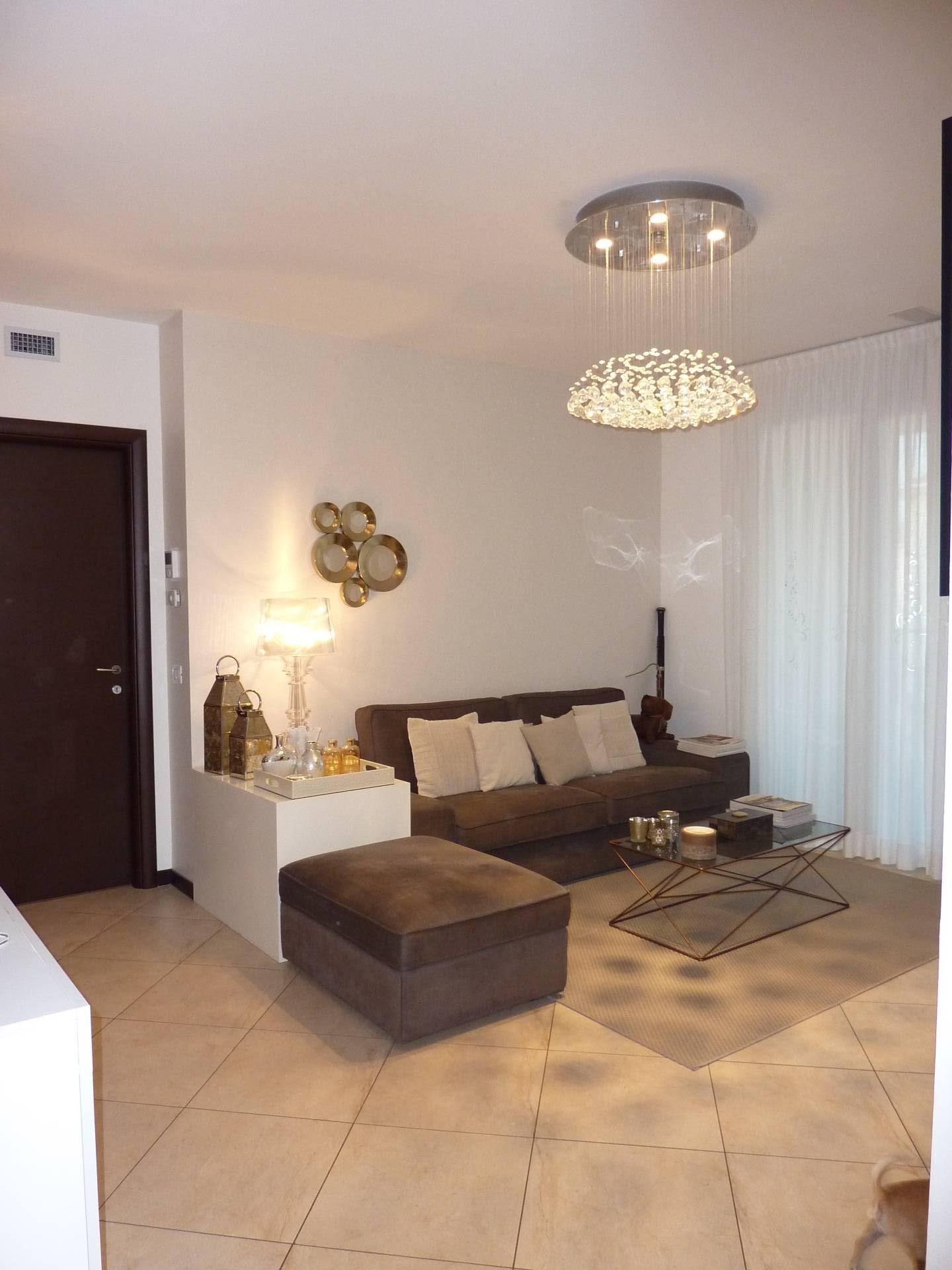 Appartamento in vendita a Seriate, 4 locali, prezzo € 235.000 | CambioCasa.it