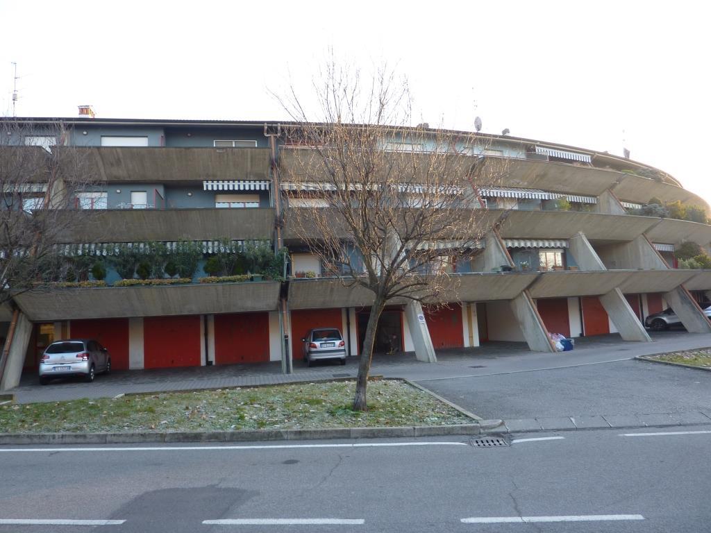 Appartamento in vendita a Calcinate, 5 locali, prezzo € 123.000   CambioCasa.it