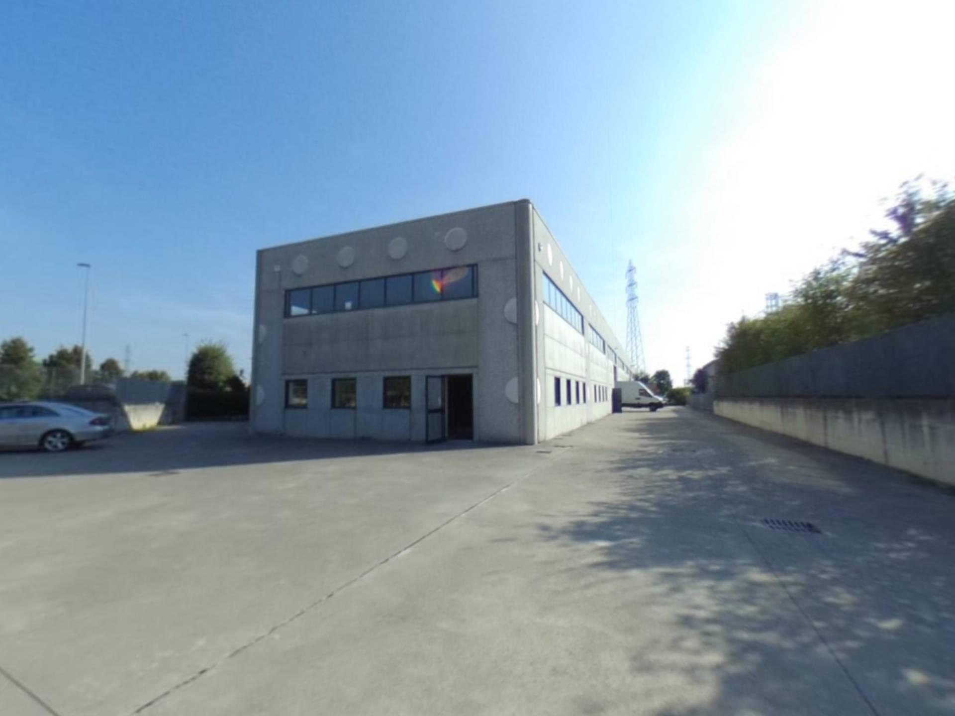 Capannone in vendita a Bagnatica, 9999 locali, prezzo € 875.000 | CambioCasa.it
