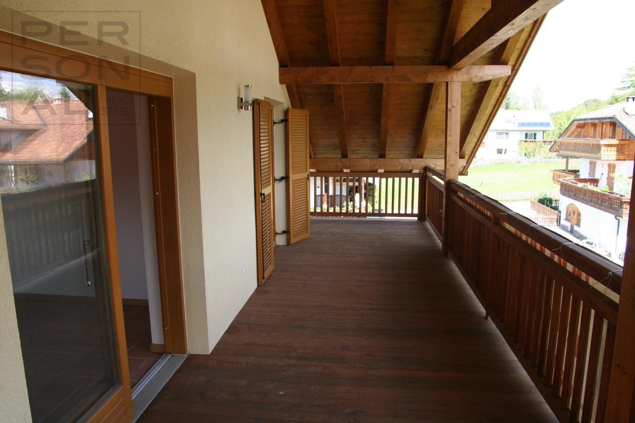 Appartamento in vendita a Nova Ponente, 3 locali, zona Località: MonteSanPietro, prezzo € 300.000   CambioCasa.it