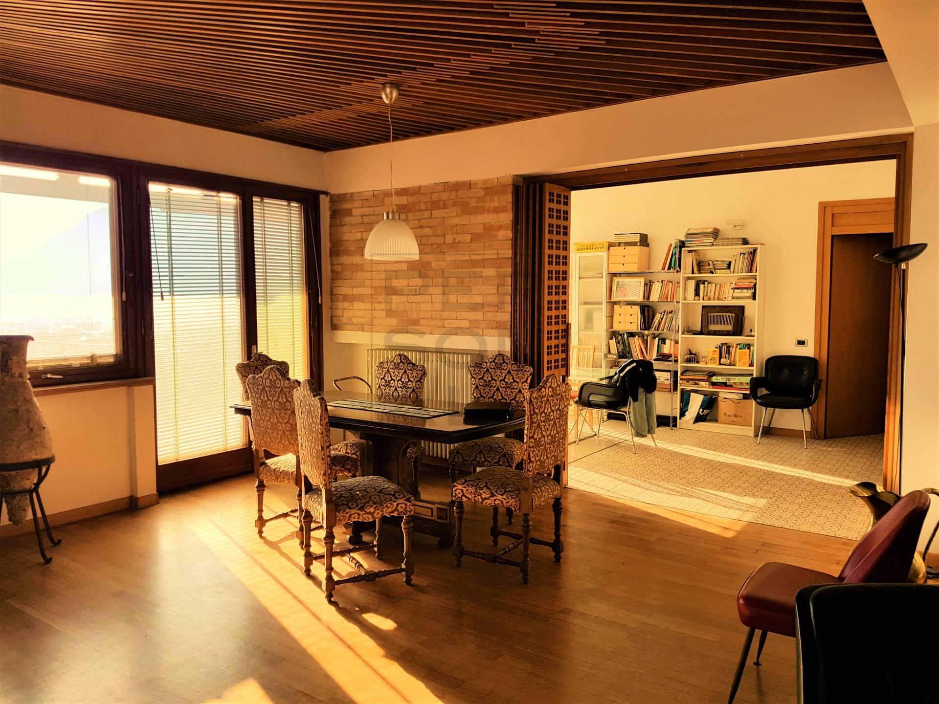 Appartamento in vendita a Lavis, 8 locali, prezzo € 349.000 | CambioCasa.it