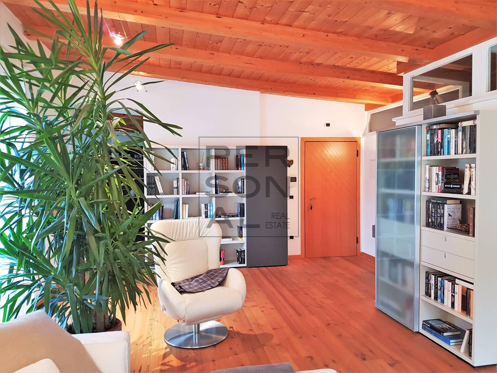 Appartamento in vendita a Ora, 4 locali, prezzo € 379.000 | CambioCasa.it