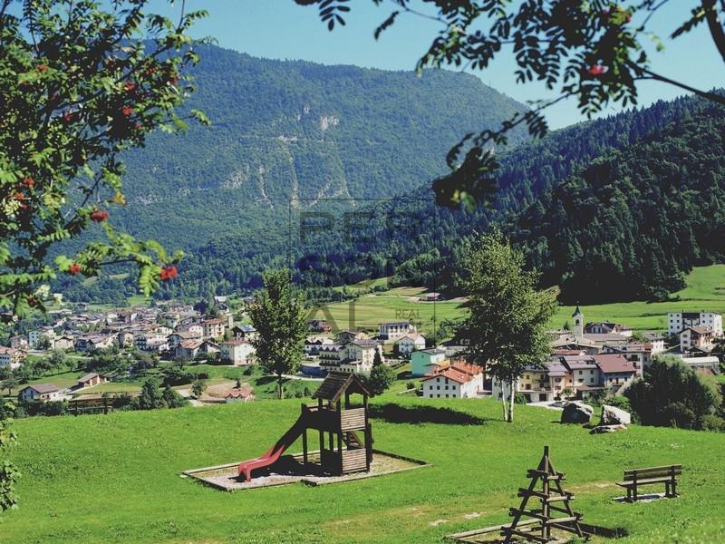 Villa Bifamiliare in vendita a Cavedago, 10 locali, prezzo € 219.000 | CambioCasa.it