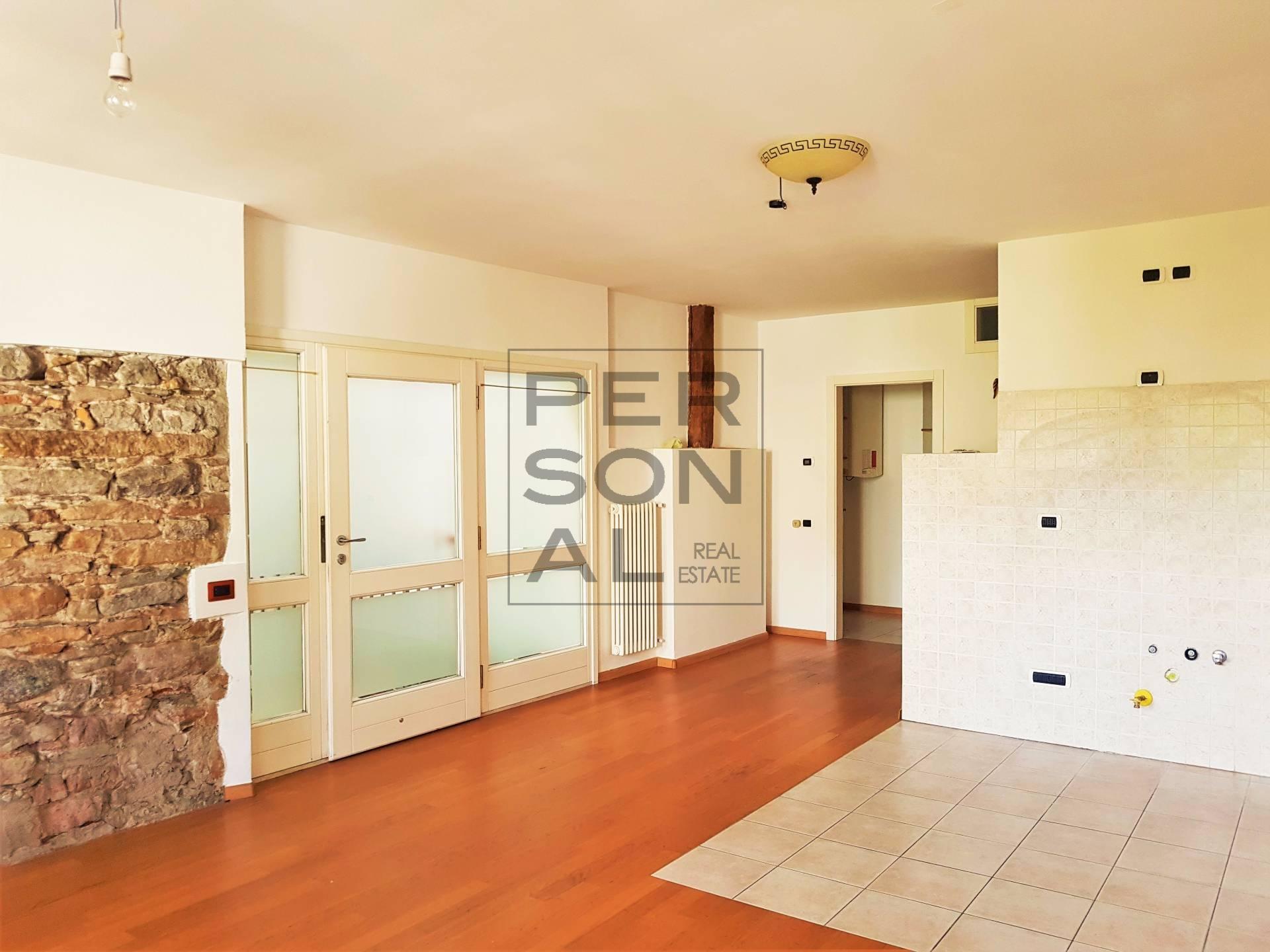 Appartamento in affitto a Egna, 3 locali, prezzo € 650 | CambioCasa.it
