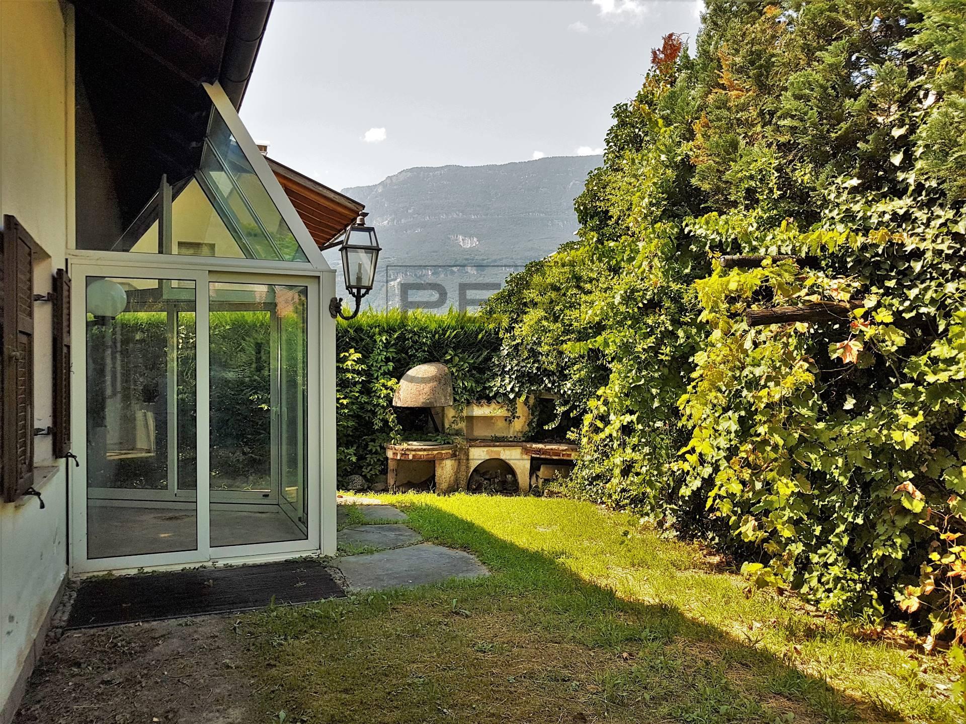 Villa in vendita a Egna, 10 locali, Trattative riservate | CambioCasa.it
