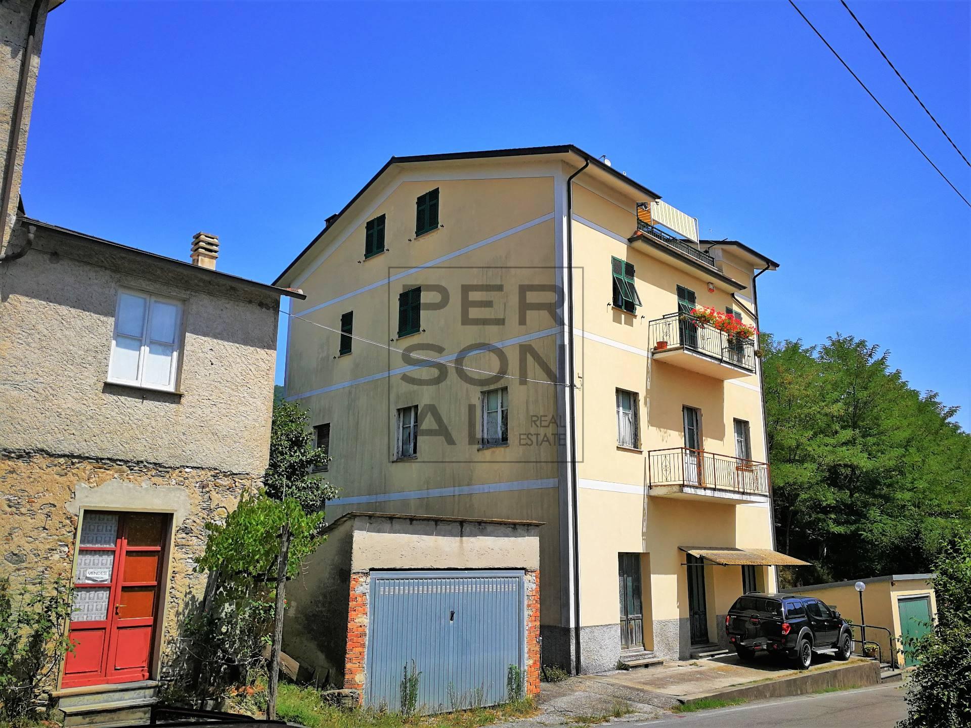 Appartamento in vendita a Moconesi, 5 locali, zona Zona: Ferrada, prezzo € 57.000 | CambioCasa.it