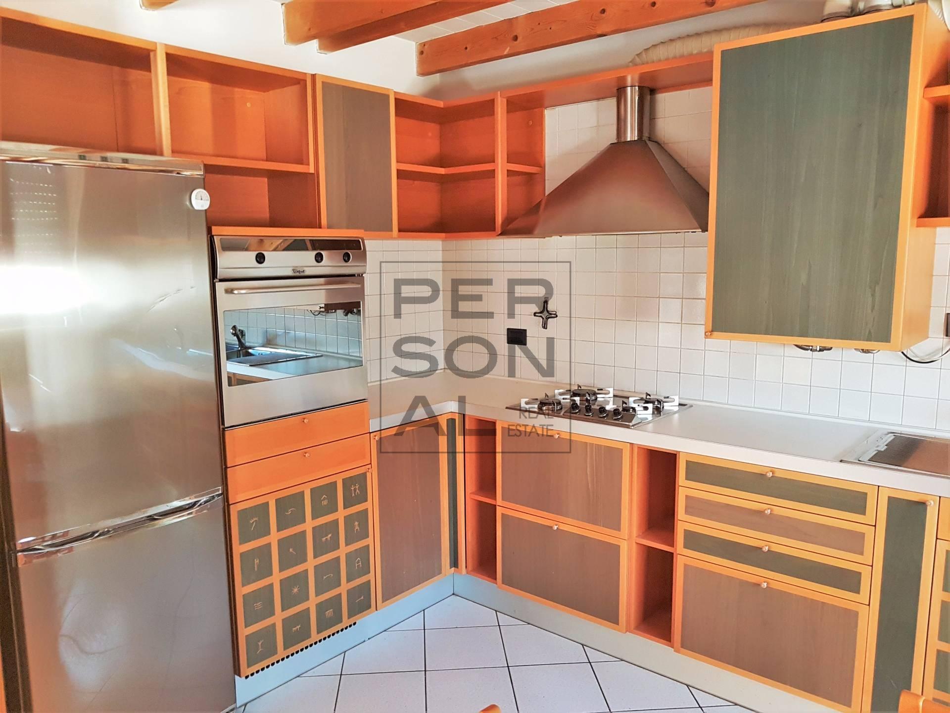 Appartamento in vendita a Egna, 4 locali, prezzo € 247.000 | CambioCasa.it