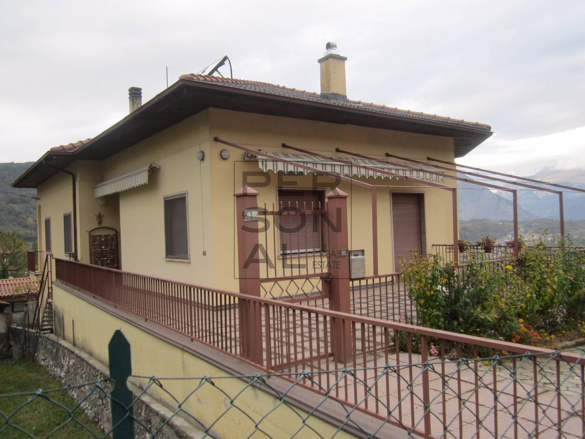 Soluzione Indipendente in vendita a Cavedine, 5 locali, zona Località: VigoCavedine, prezzo € 340.000   CambioCasa.it
