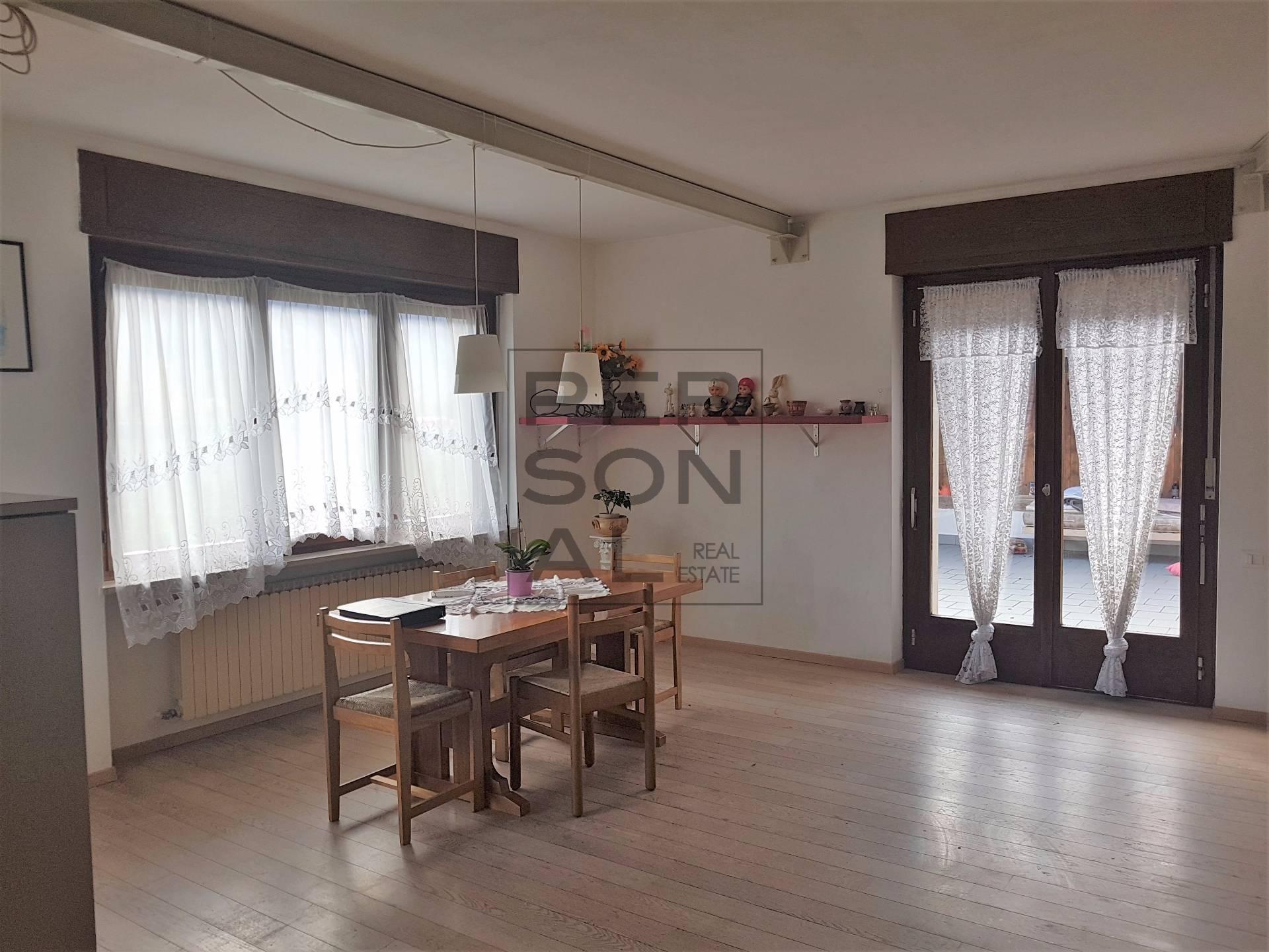 Appartamento in affitto a Vadena, 4 locali, prezzo € 1.000 | CambioCasa.it