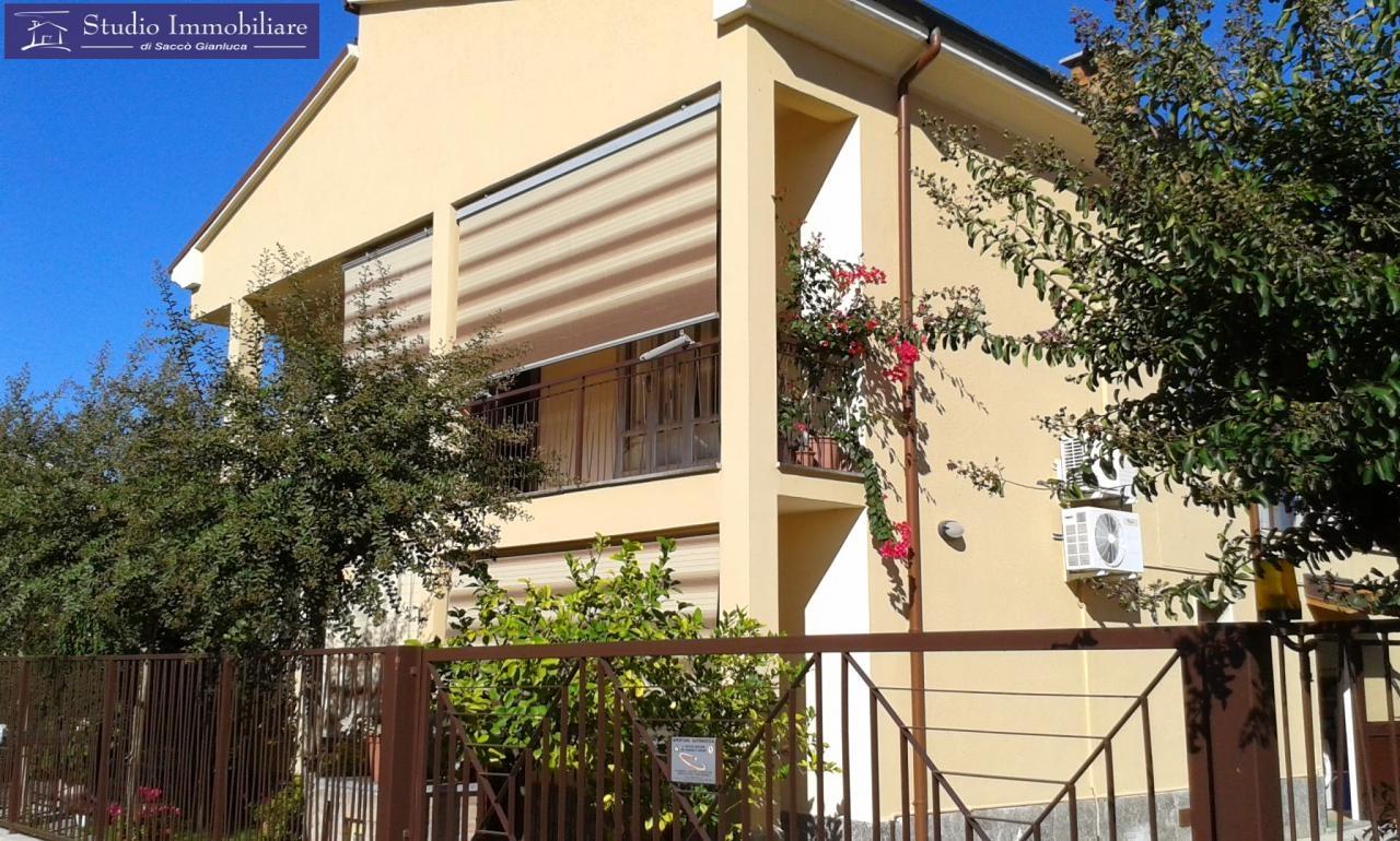 Villa in vendita a Cava Manara, 6 locali, prezzo € 298.000 | Cambio Casa.it
