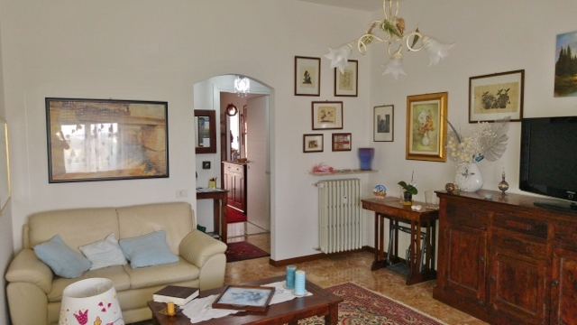 Appartamento in vendita a Casteggio, 3 locali, prezzo € 88.000 | Cambio Casa.it