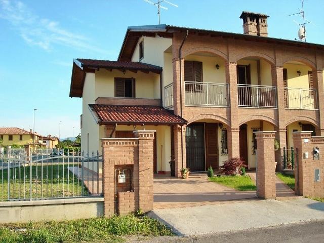 Villa Bifamiliare in Vendita a Pinarolo Po