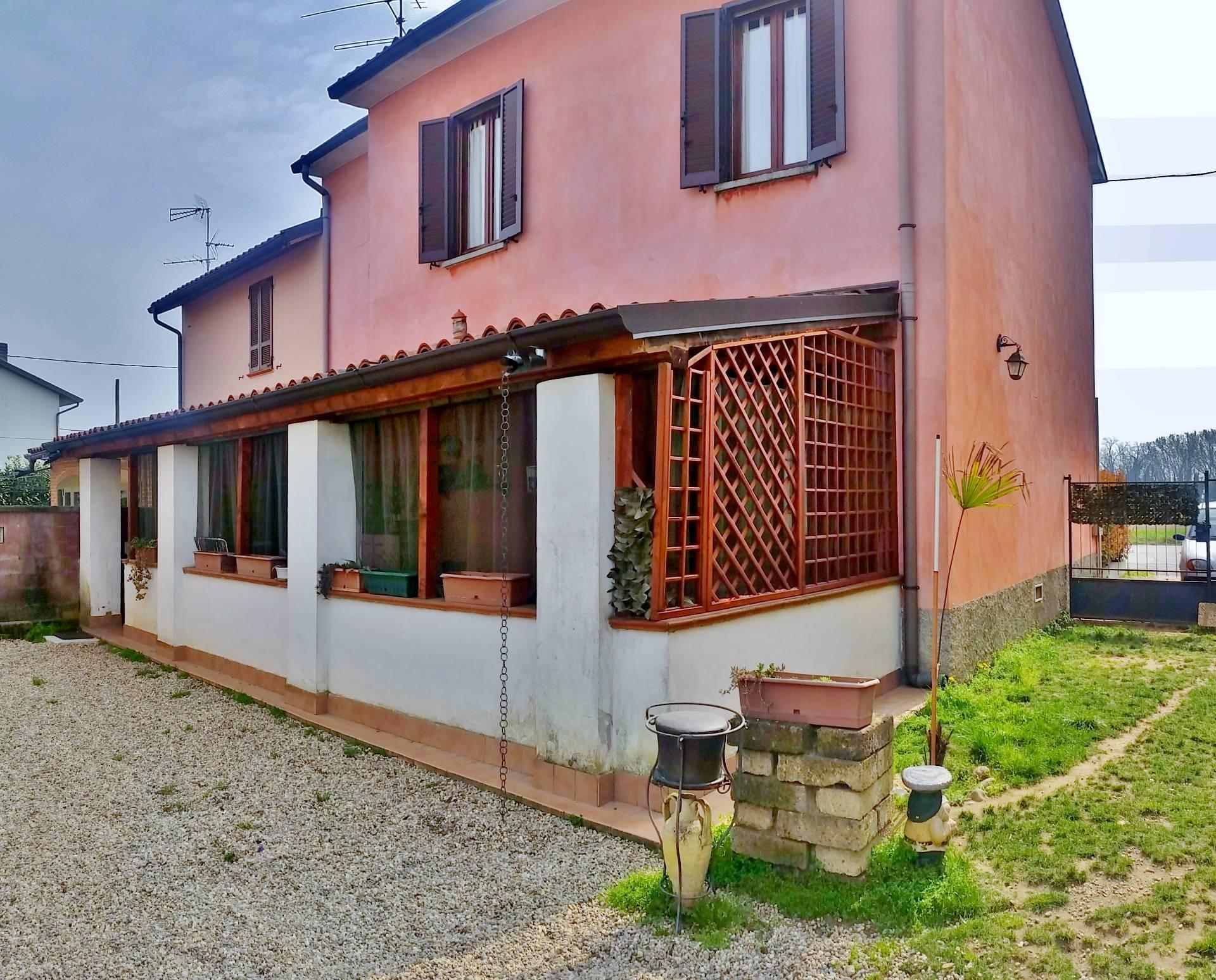 Villa a Schiera in vendita a Pieve Albignola, 4 locali, prezzo € 126.000 | CambioCasa.it