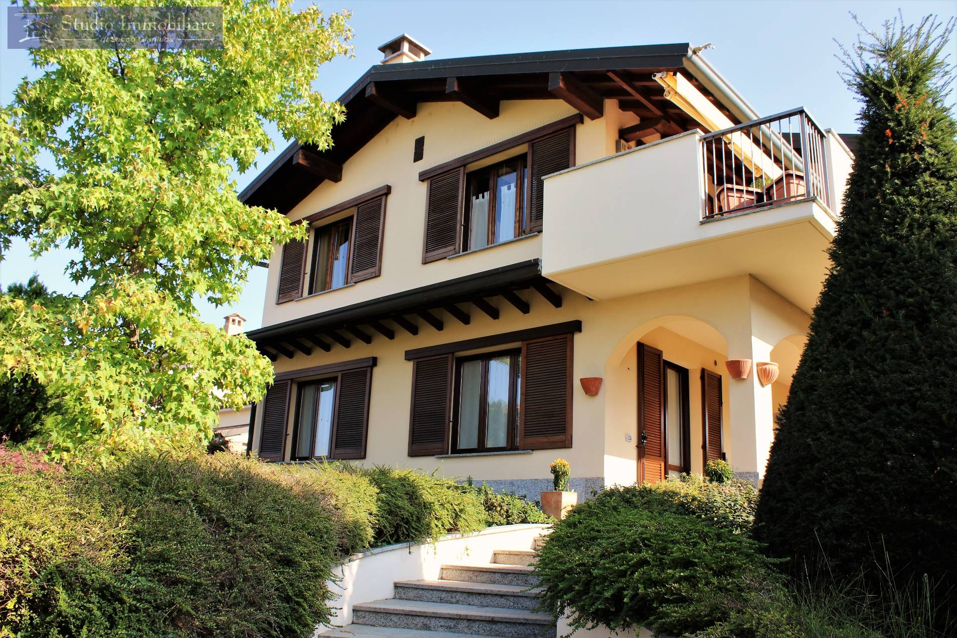 Soluzione Indipendente in vendita a Cava Manara, 5 locali, prezzo € 360.000 | CambioCasa.it