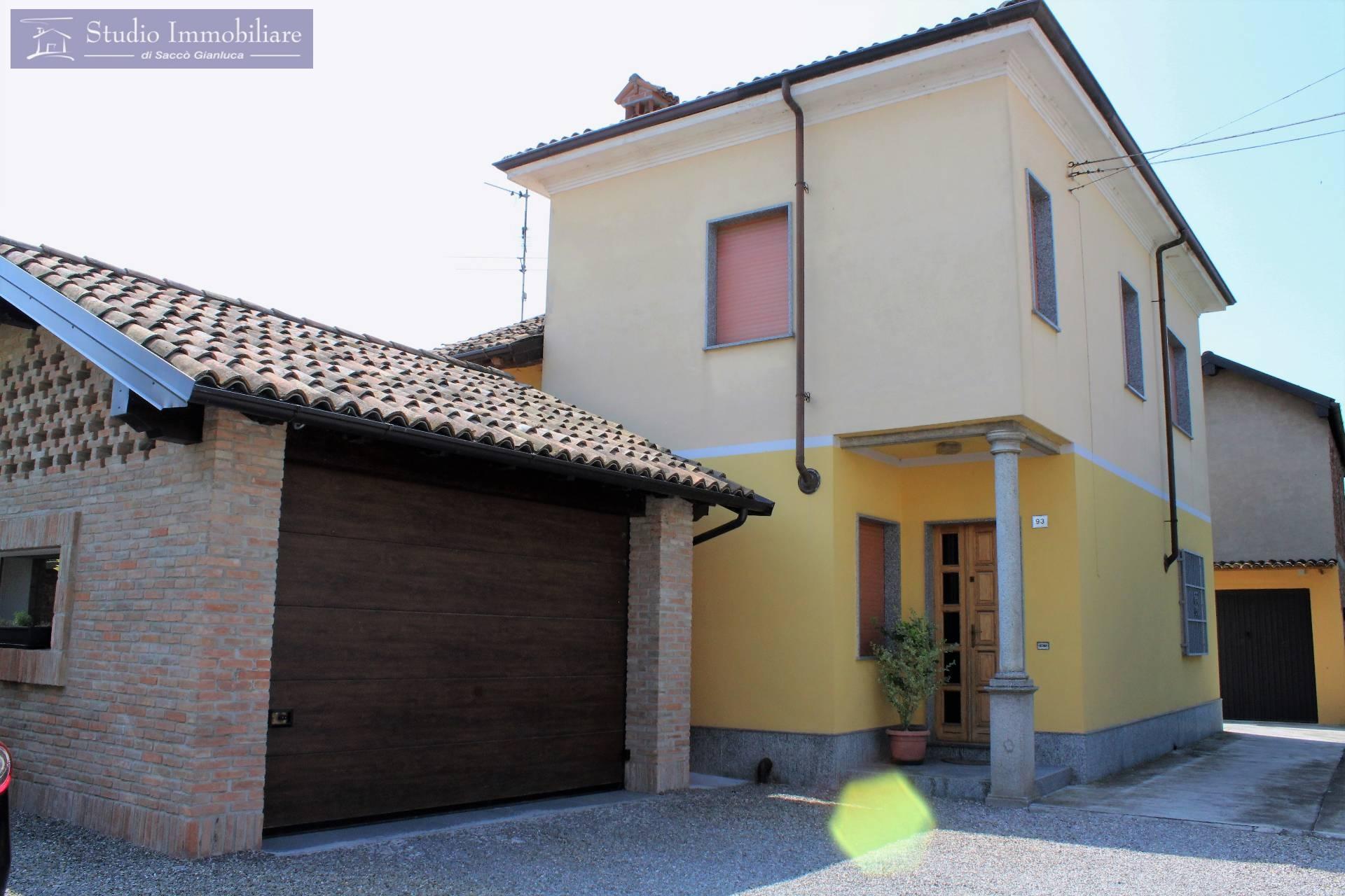 Soluzione Indipendente in vendita a Bressana Bottarone, 3 locali, prezzo € 140.000   CambioCasa.it