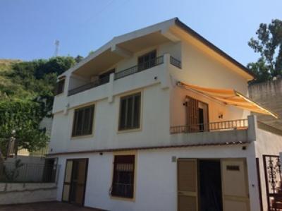 Villa in Vendita a Messina