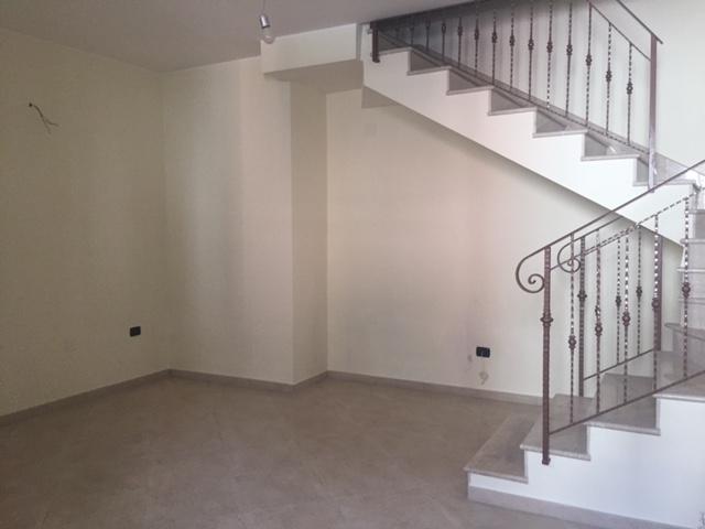 Villa a Schiera in vendita a San Tammaro, 5 locali, prezzo € 110.000   Cambio Casa.it