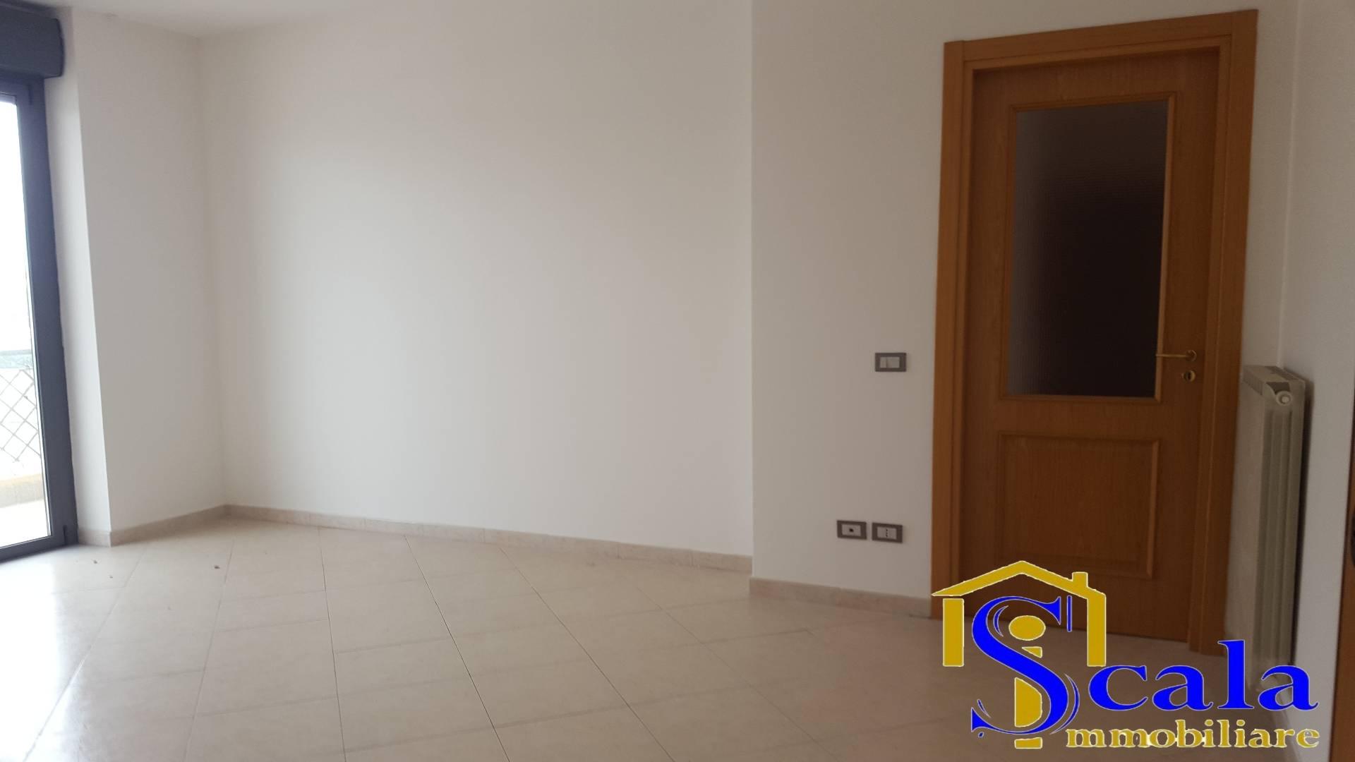 Appartamento in affitto a San Tammaro, 4 locali, prezzo € 400   Cambio Casa.it